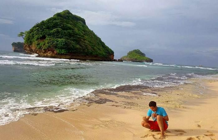 50 Tempat Wisata Pantai Di Malang Yang Bagus Lagi Hits 2019 Explore Malang