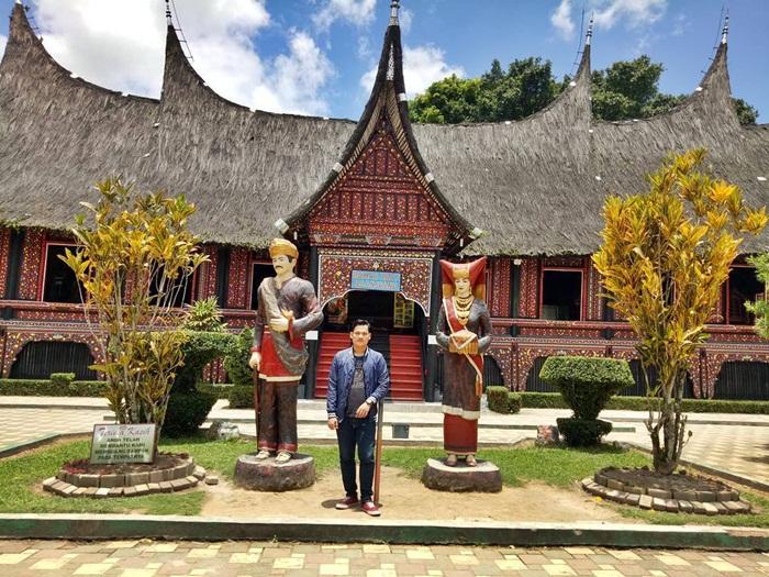 Rumah Adat Baanjuang Bukittinggi