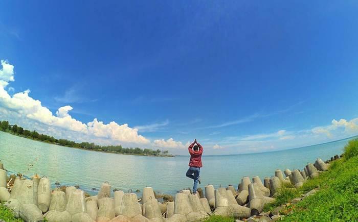 10 Wisata Pantai di Semarang yang Bagus dan Lagi Hits 2018  Explore Pantai Semarang