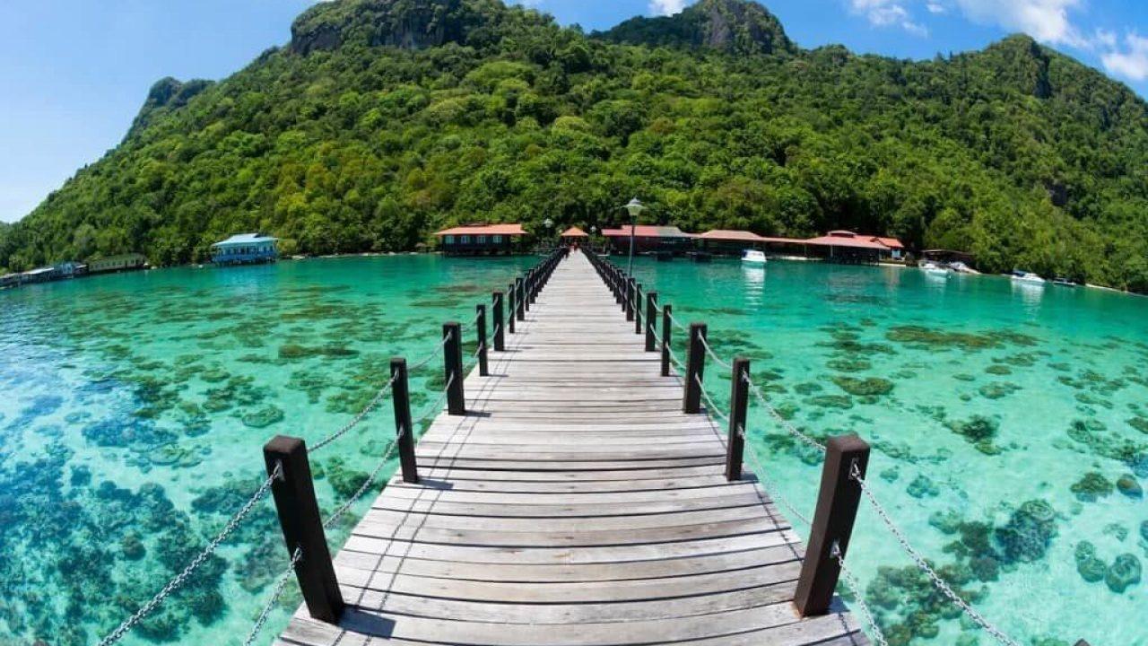 Pulau Karampuang, Mamuju, Sulawesi Barat,